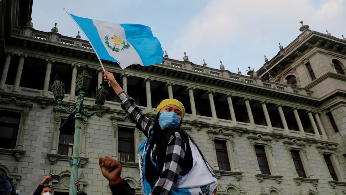 El Congreso de Guatemala suspende la aprobación de los presupuestos que  originaron las protestas - RT