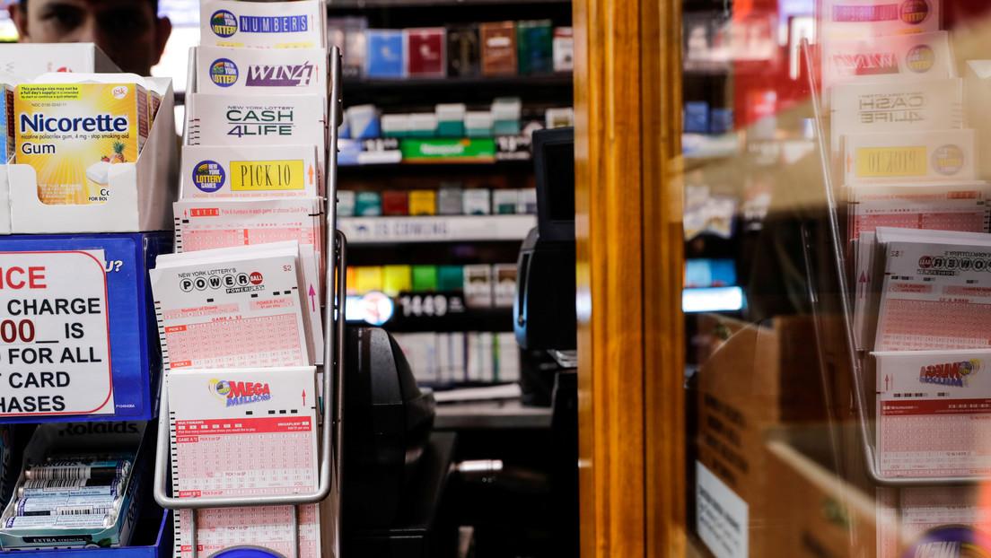 Una mujer gana 100.000 dólares a la lotería gracias a un error del empleado de una tienda
