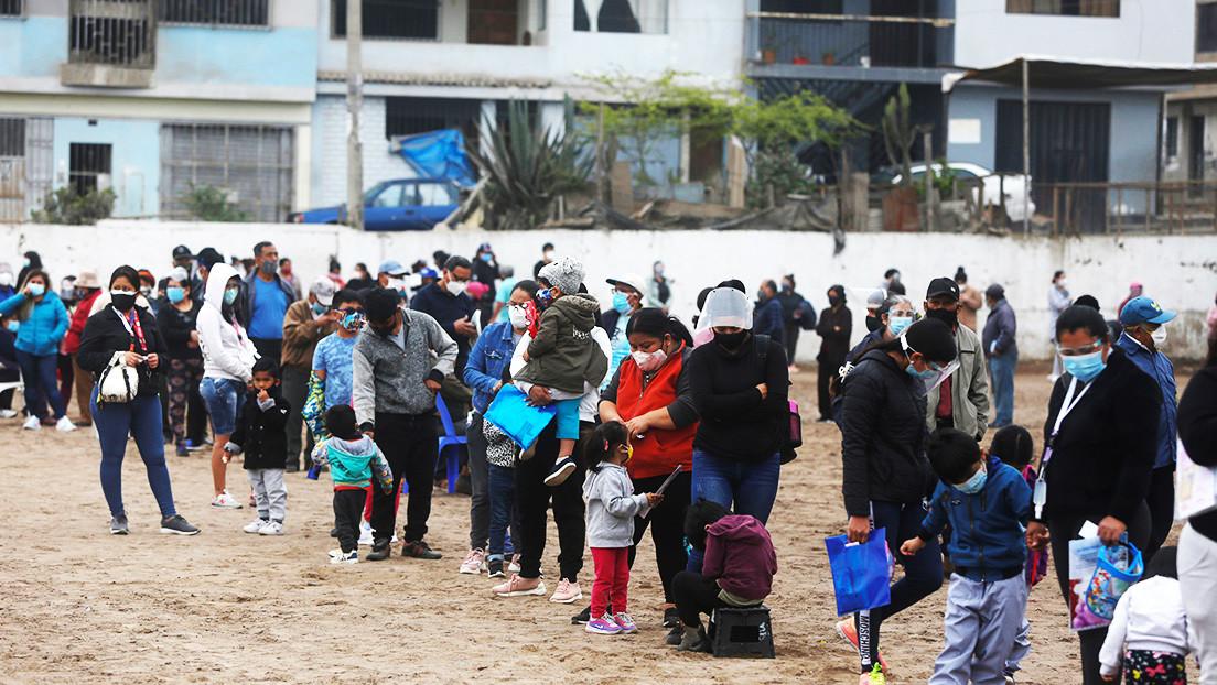 """La OMS dice que existe un riesgo real de que los pobres y vulnerables """"pisoteado en la prisa por las vacunas"""""""