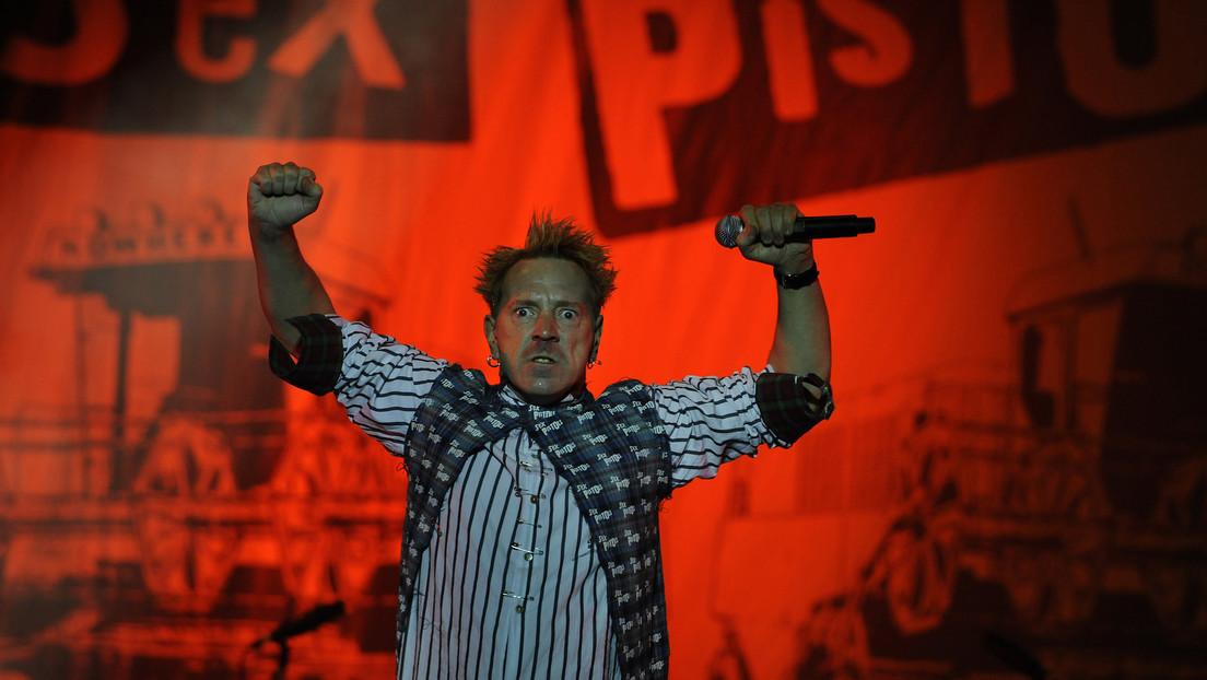 El exvocalista de Sex Pistols Johnny Rotten dice que sufrió una picadura de pulga en los genitales