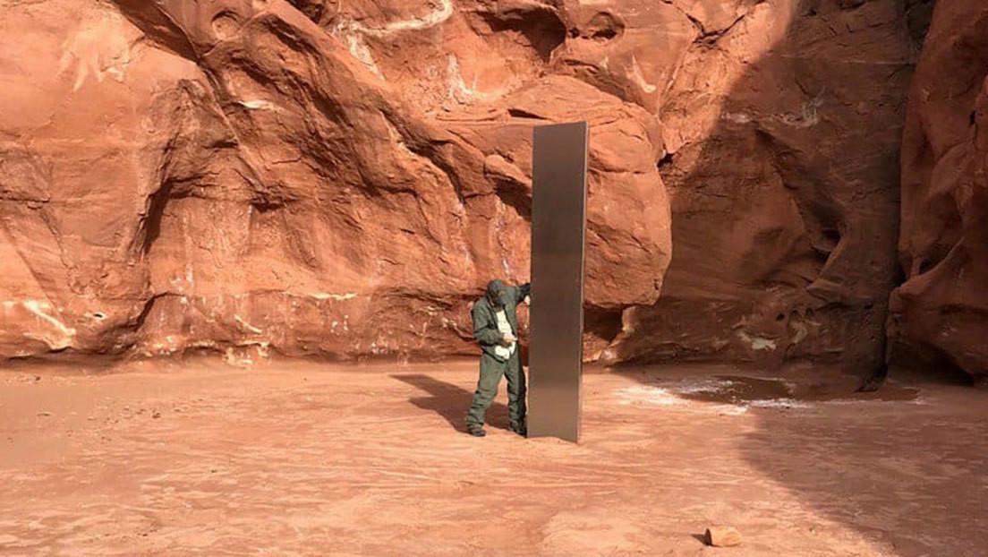 Las redes se llenan de memes tras la aparición del misterioso monolito en el desierto de Utah (FOTOS)