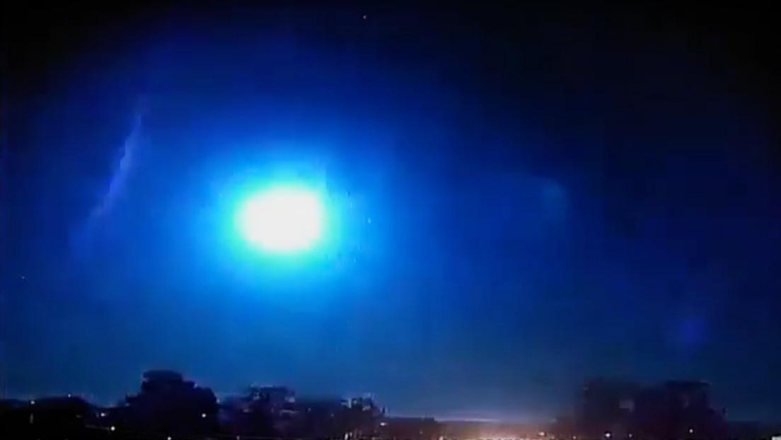 VIDEO: Captan el momento exacto en que un meteorito explota sobre el cielo de Brasil