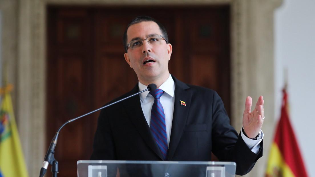 """Arreaza propone acciones conjuntas con agencias de la ONU para """"garantizar el retorno seguro"""" de los venezolanos a su país"""