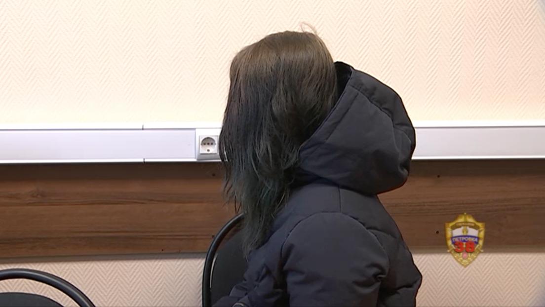 Una mujer deja a su hijo de 10 años encerrado en casa sin comida hasta que lo encuentran sus vecinos 5 días después