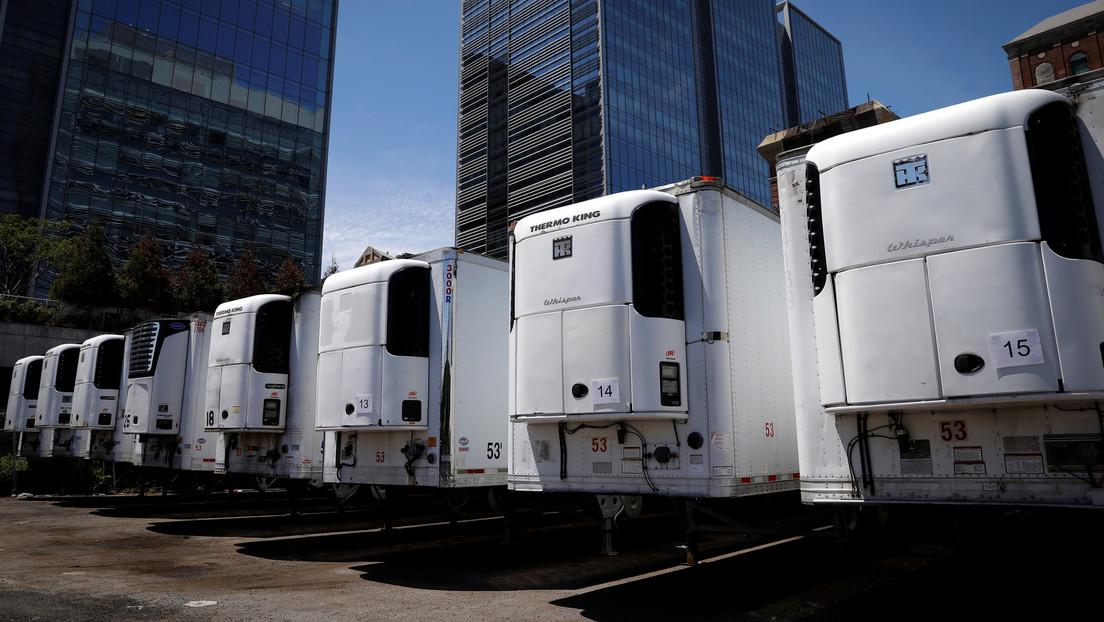 Inquietantes imágenes: cientos de muertos por covid-19 permanecen almacenados en camiones en Nueva York
