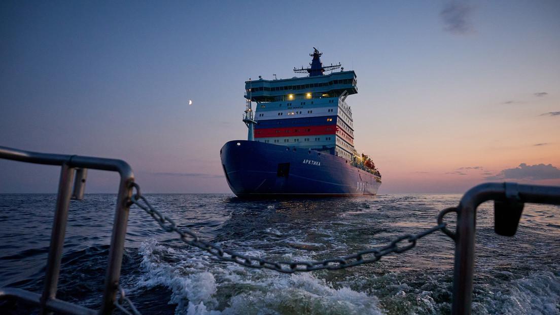 El rompehielos ruso Árktika, capaz de navegar por hielos de 3 metros de espesor, termina su primera misión