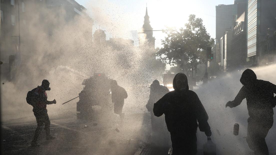 Chilenos protagonizan una nueva jornada de protestas por la liberación de los detenidos durante el estallido social