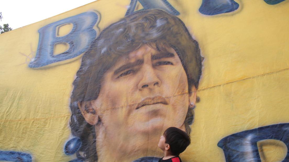 El adiós de Villa Fiorito: El barrio que vio nacer a Maradona despide al ídolo que les enseñó a 'gambetear' la vida (FOTOS)
