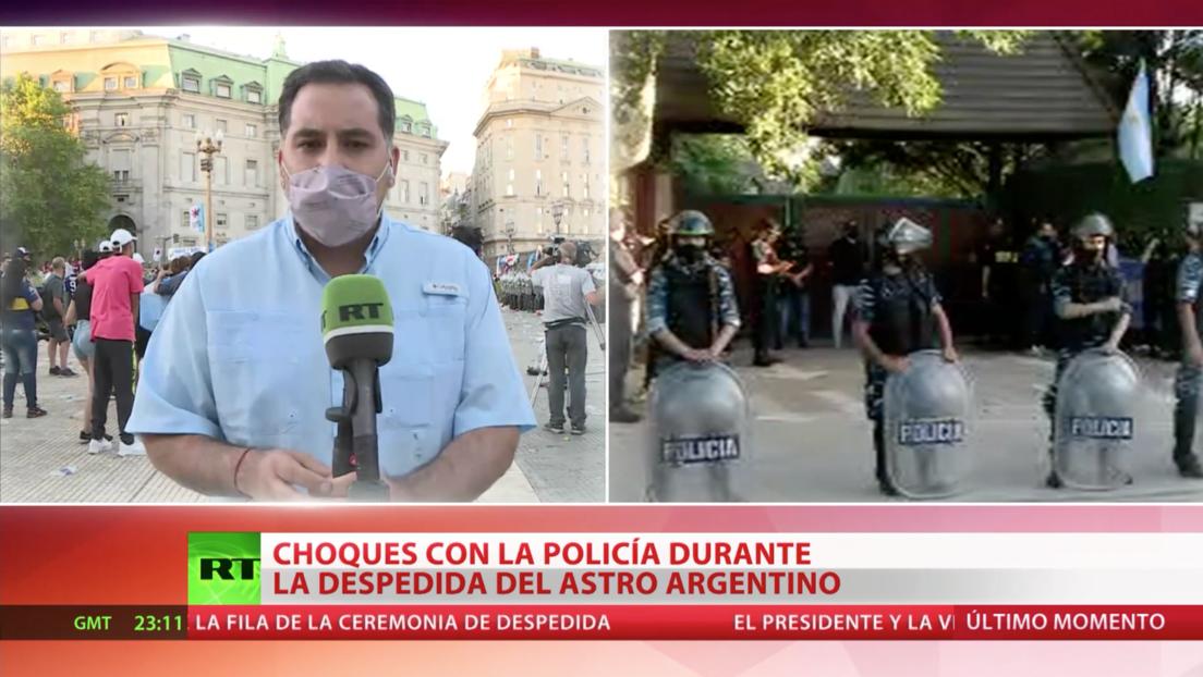 El velorio de Maradona acaba en caos tras el despeje de las avenidas cercanas a la Casa Rosada