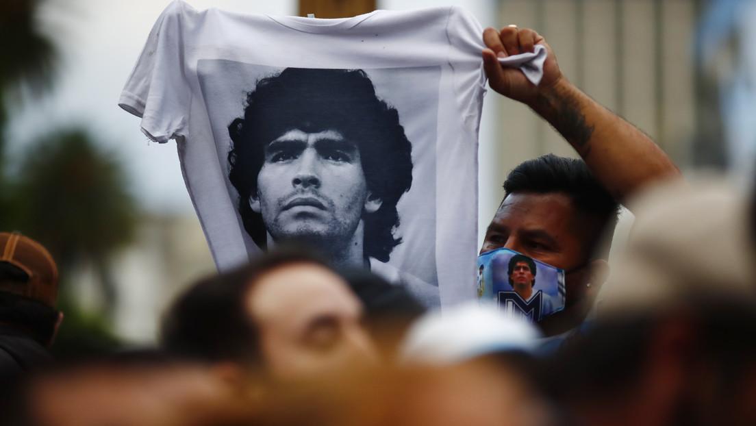 Venden una camiseta firmada por Maradona por más de 185.000 dólares