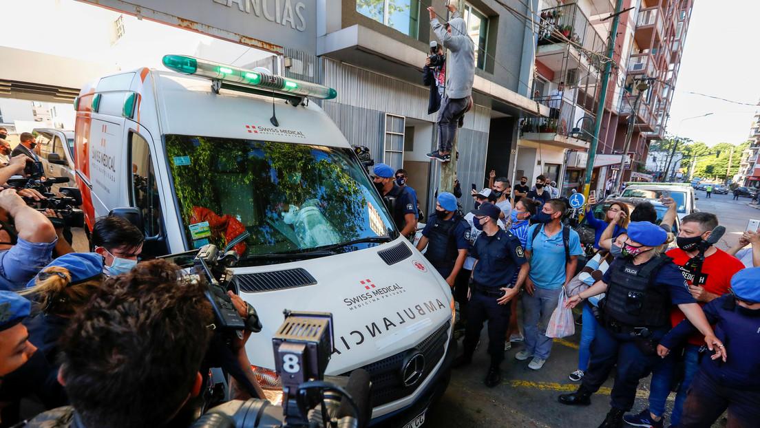 """""""¿Puedes mandar una ambulancia urgente?"""": Medios divulgan la llamada que habría hecho el médico de Maradona al 911"""