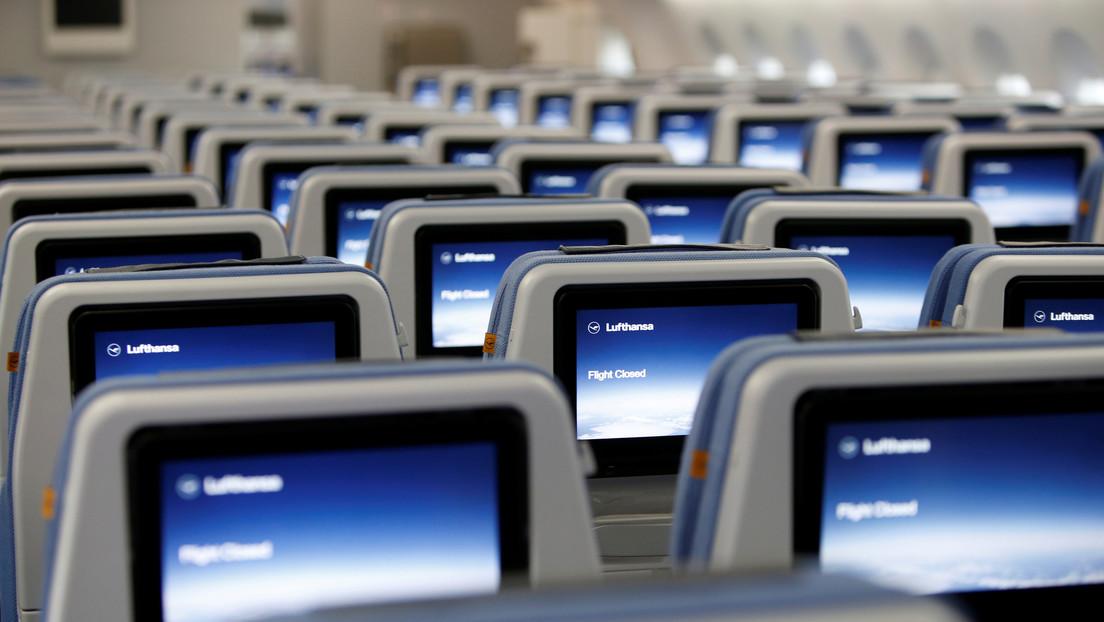 Lufthansa ofrece a los pasajeros de clase económica comprar una fila entera para dormir durante el  vuelo