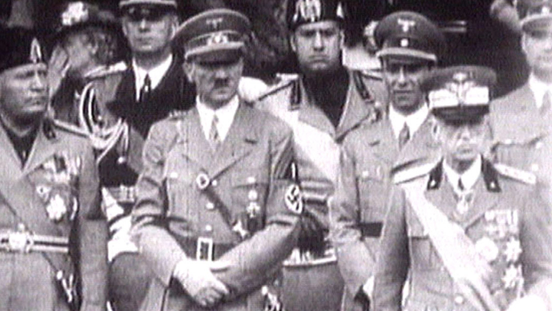 Monedas y una foto de Hitler con Mussolini: ¿qué esconde el supuesto refugio nazi en la selva argentina?