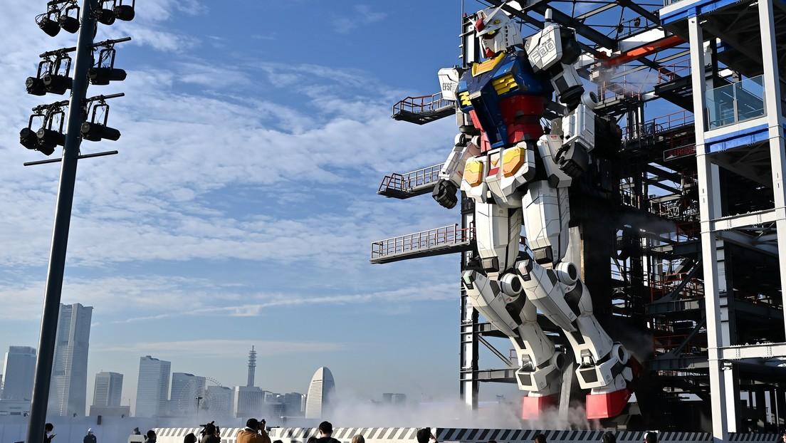 VIDEO: Presentan un gigantesco 'robot de combate' inspirado en la serie animada Gundam
