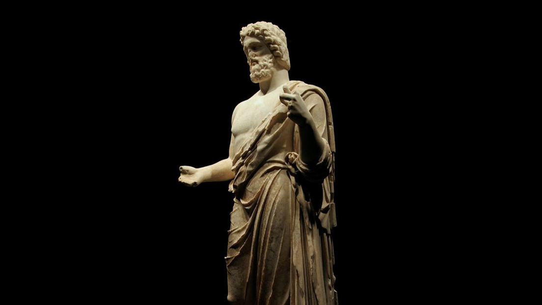 FOTOS: Hallan estatuas de dos dioses grecolatinos en una antigua ciudad en Turquía