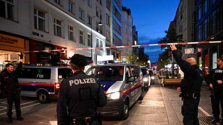 """Califican de """"héroes de Viena"""" a dos turcos que ayudaron a una mujer y un policía herido durante el atentado terrorista"""