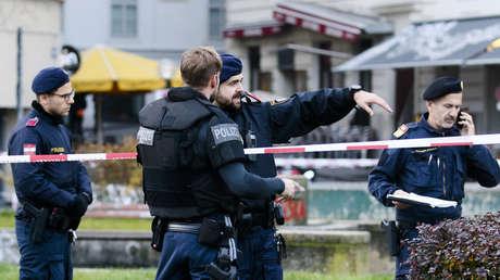 """""""Se trata de una lucha entre la civilización y la barbarie"""": Kurz confirma motivos islamistas del ataque en Viena y promete encontrar a sus autores"""