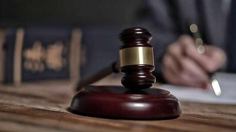 Absuelven a un acusado de violación en Perú argumentando que la víctima llevaba ropa interior roja