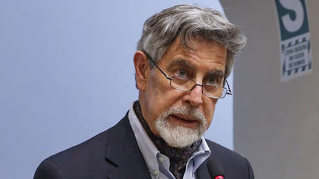 Congreso de Perú elige a Francisco Sagasti como nuevo presidente interino
