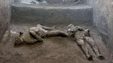 Hallan en Pompeya los restos perfectamente conservados de dos hombres que murieron en la erupción del Vesubio, hace casi 2.000 años (FOTOS, VIDEO)