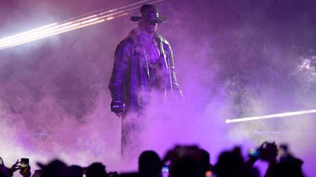 El mítico luchador The Undertaker da su último adiós a la WWE en un día simbólico: debutó en la empresa hace exactamente 30 años