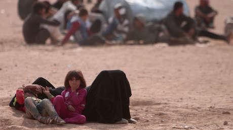 Familia chilena busca adoptar a adolescente refugiada iraquí que sufrió abuso de sus supuestos padres y de quien investigan si fue víctima de trata