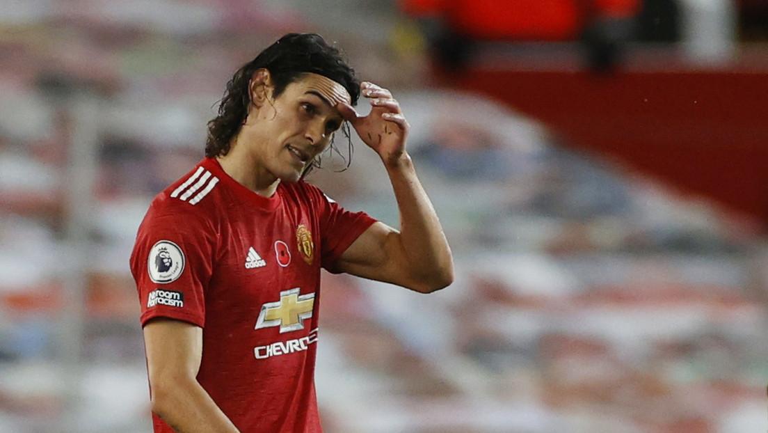 """Edinson Cavani podría ser suspendido tres fechas en el Manchester United por escribir """"negrito"""" en Instagram"""