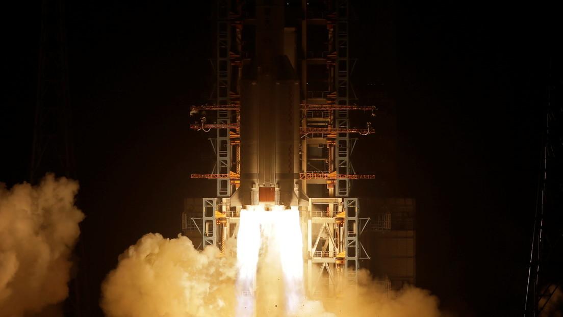 China lanzó su sonda Chang'e-5 a la Luna: ¿qué planea hacer Pekín en el satélite y podrá alguien competir con ellos?