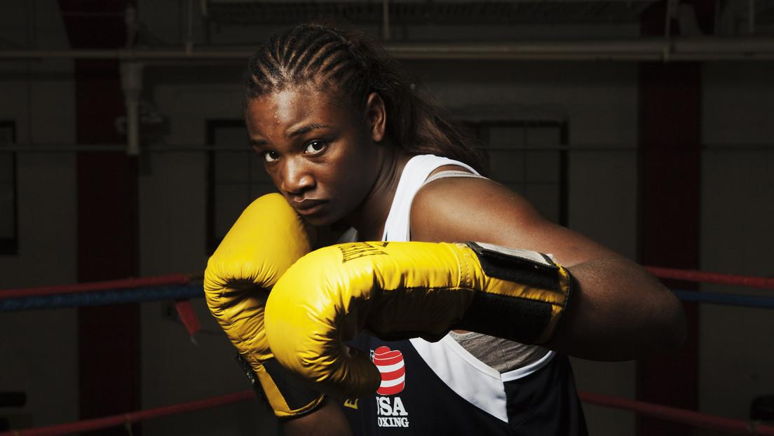 La doble campeona olímpica de boxeo y campeona absoluta del peso medio Claressa Shields entra a la MMA