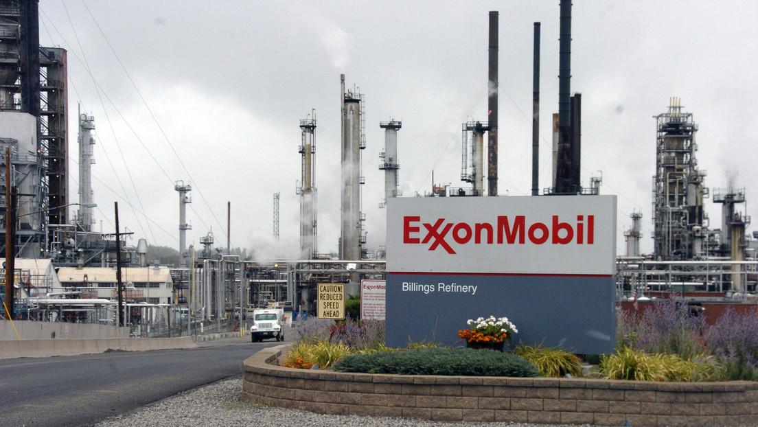 """ExxonMobil perderá hasta 20.000 millones de dólares por """"un fracaso épico"""" de hace más de 10 años"""