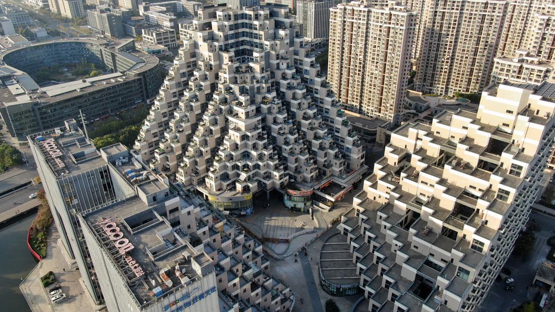 VIDEO: Un futurista complejo de apartamentos 'idéntico' a las pirámides mayas se hace viral en China