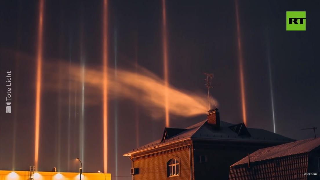 VIDEO: Pilares de luz aparecen en el cielo en Rusia