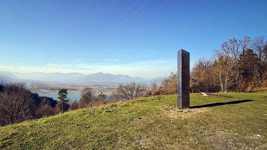 Aparece un tercer monolito metálico, esta vez en la cima de una montaña de California (FOTOS, VIDEO)