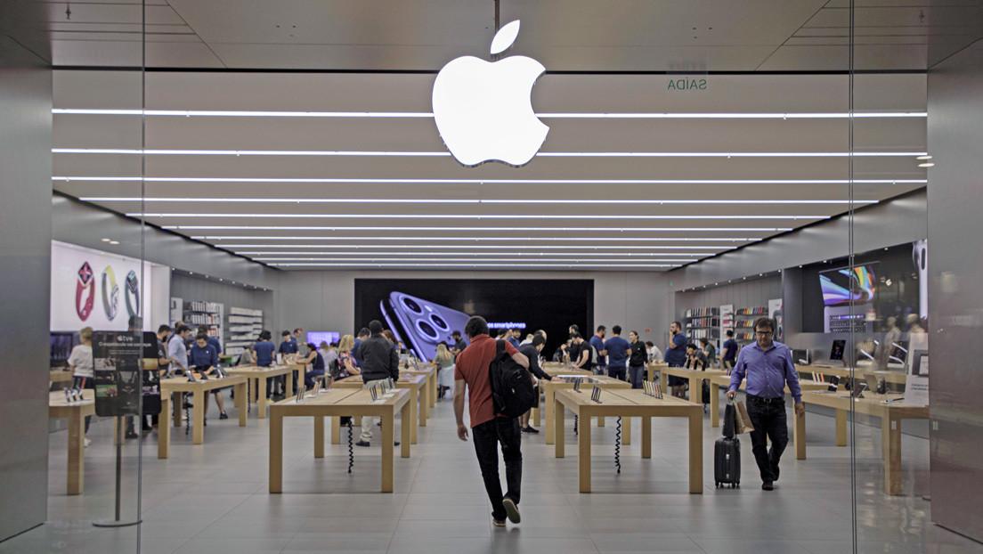 Un estado brasileño pide a Apple que los iPhone incluyan cargadores después de que el gigante tecnológico dijese que aumentan las emisiones de carbono