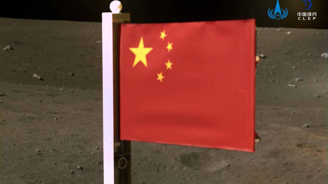 FOTOS: La sonda Chang'e-5 despliega la bandera de China sobre la superficie de la Luna