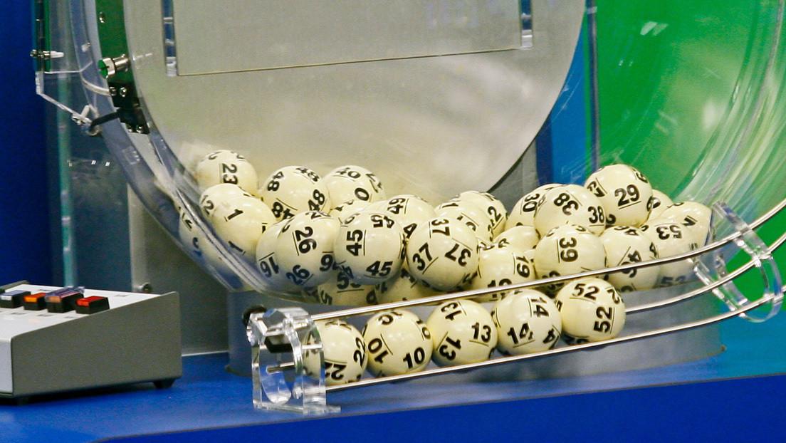 """20 personas se convierten en """"multimillonarias"""" tras apostar a la combinación 5, 6, 7, 8, 9 y 10 en una lotería de Sudáfrica (VIDEO)"""