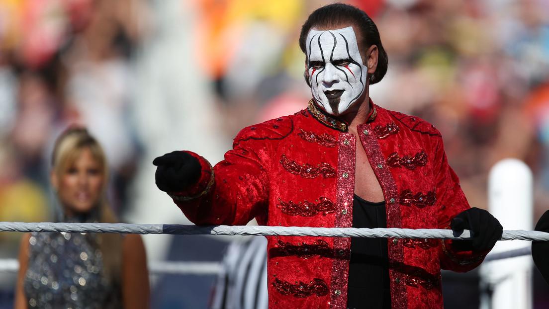 VIDEO: El legendario luchador Sting sorprende al poner fin a una retirada de 4 años y aparecer en la AEW