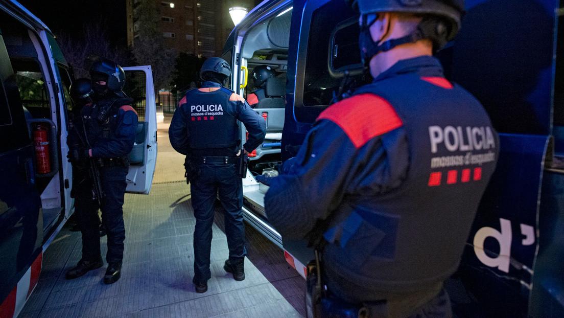 """Suspenden a dos policías catalanas por vejar a una menor violada: """"Si vas borracha pasan estas cosas"""""""