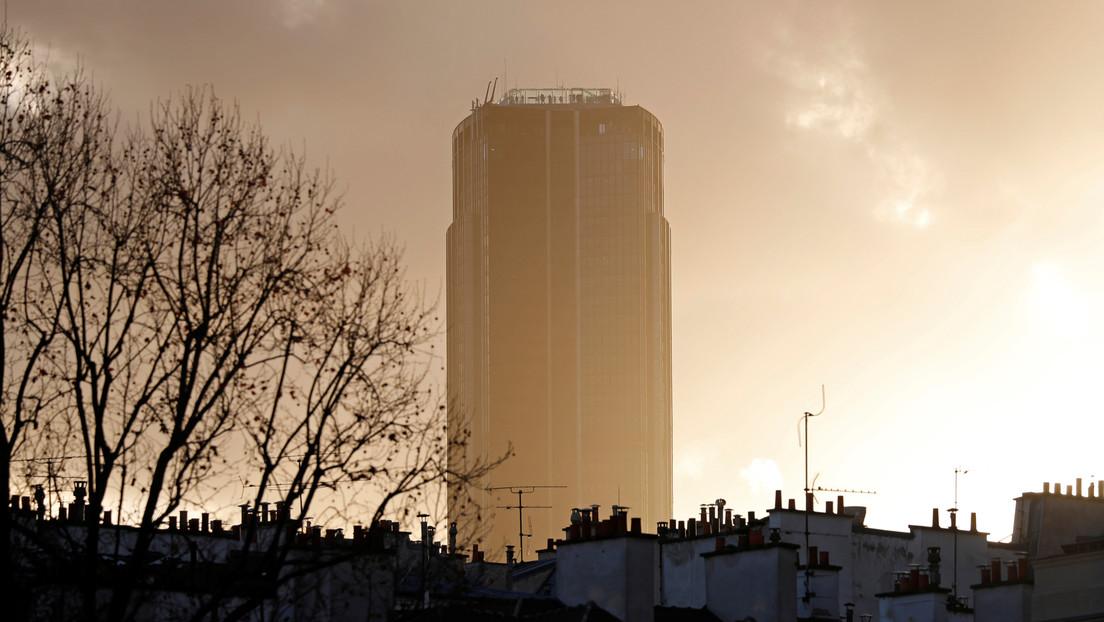 VIDEO: Un deportista extremo escala uno de los edificios más altos de París sin equipo de seguridad