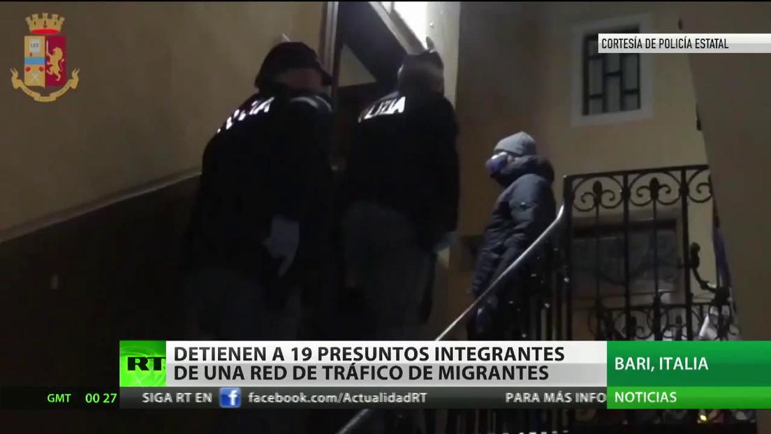 Detienen a 19 presuntos integrantes de una red de tráfico de migrantes en Italia