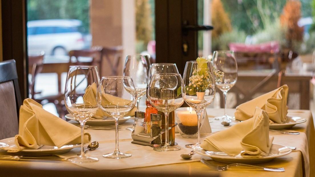 'Influencers' de gastronomía proponen comer gratis en un restaurante a cambio de publicidad y la respuesta del local se viraliza