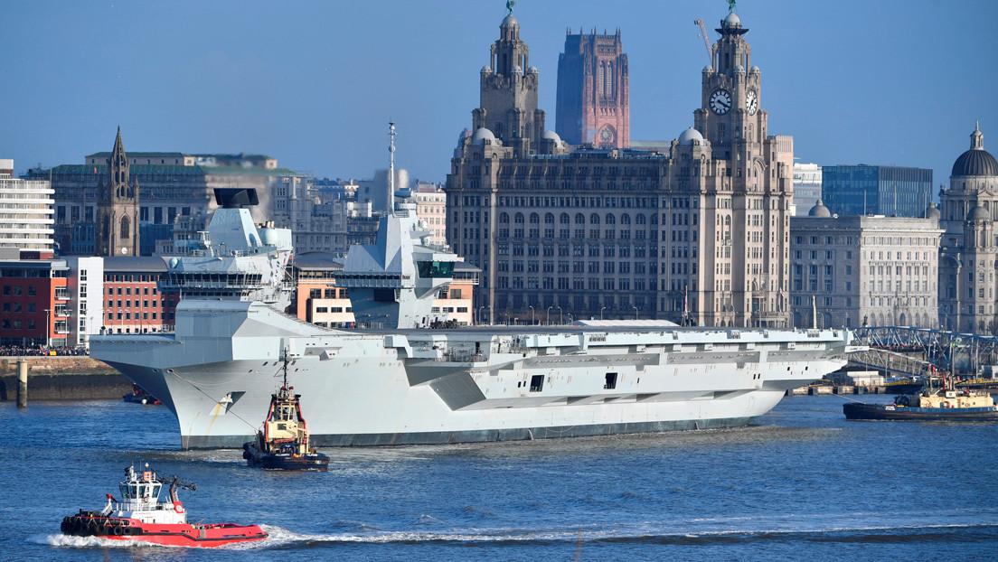 El más moderno portaviones británico queda varado por medio año tras una segunda inundación en meses