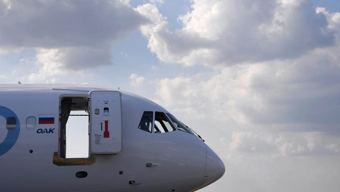 Roban equipos de un 'avión del día del juicio final' en Rusia