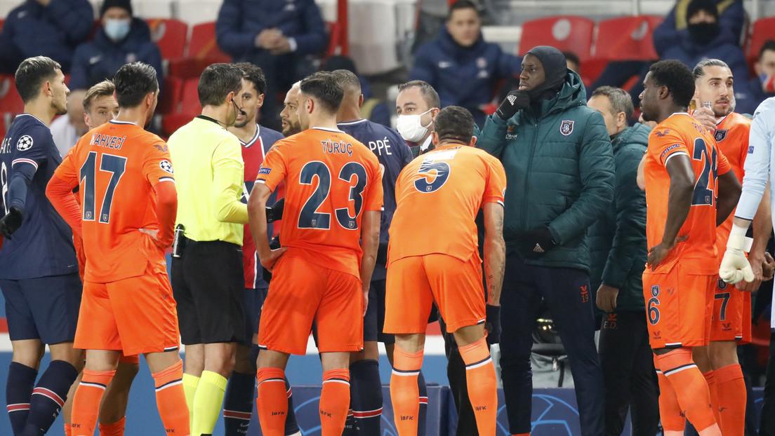 Suspenden el partido entre el PSG y Basaksehir al estallar un escándalo por insulto racista de un árbitro (VIDEO)