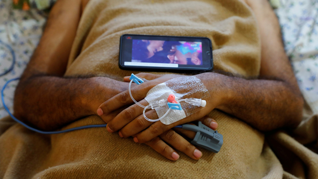 Encuentran rastros de plomo y níquel en la sangre de cientos de pacientes hospitalizados por una misteriosa enfermedad en la India