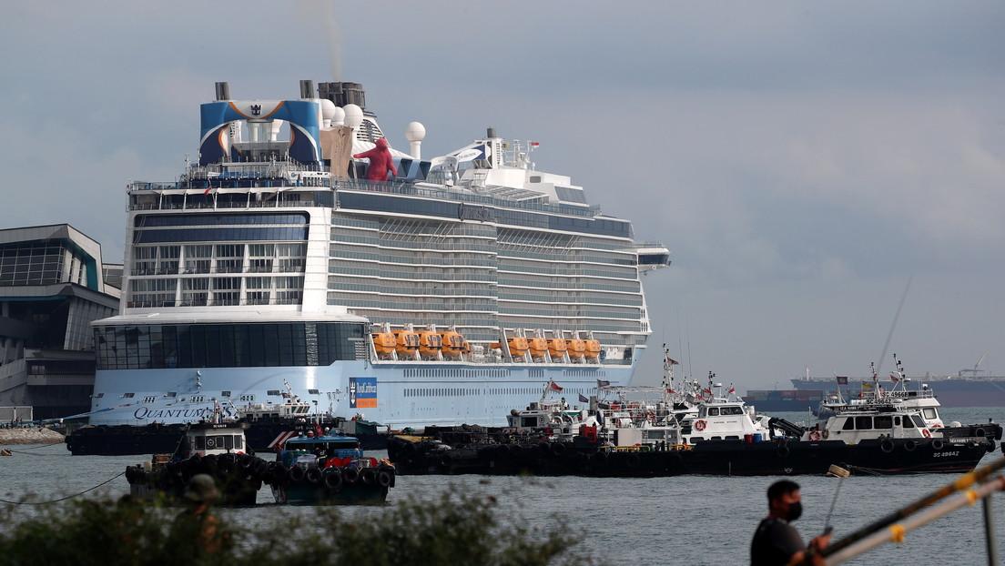 Detectan un positivo por covid-19 en un crucero procedente de Singapur con más de 2.800 personas a bordo