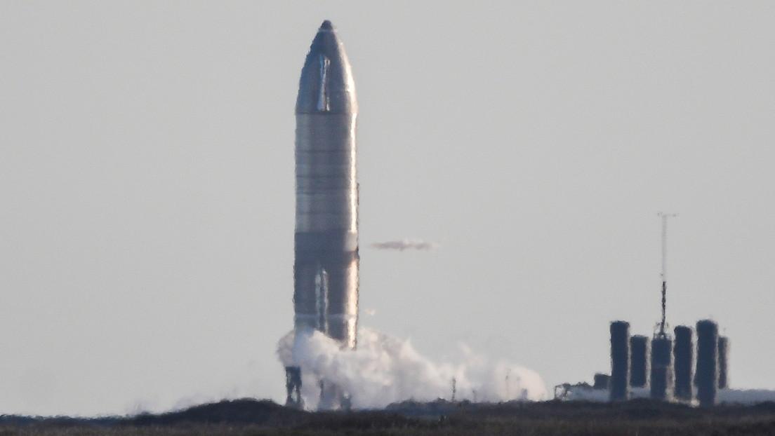 Explota el prototipo de la nave espacial de SpaceX durante un intento de aterrizaje (VIDEO)