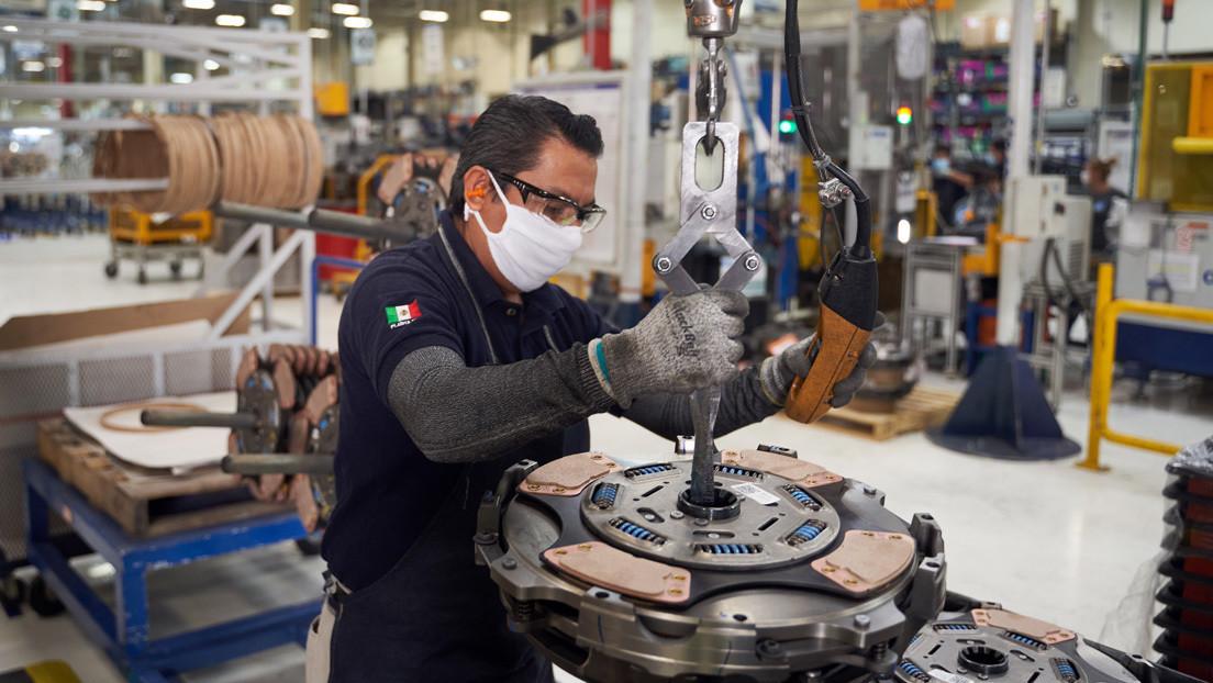 Por qué México tiene uno de los salarios mínimos más bajos del mundo (y cuál es la propuesta de aumento)