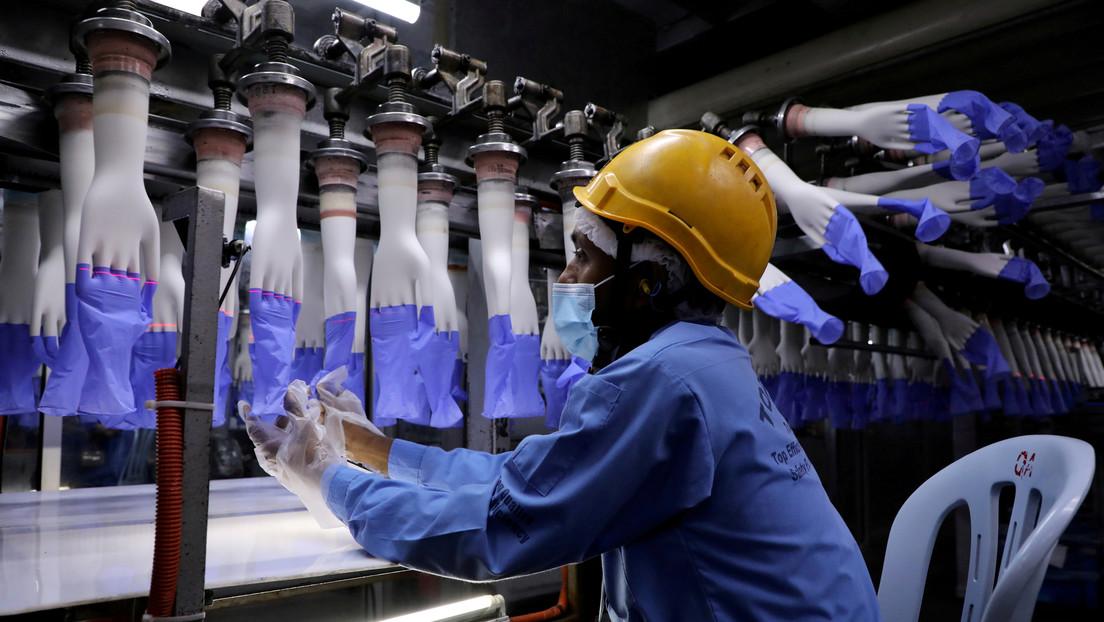 El mayor fabricante mundial de guantes de goma registra beneficios récord en medio de la pandemia