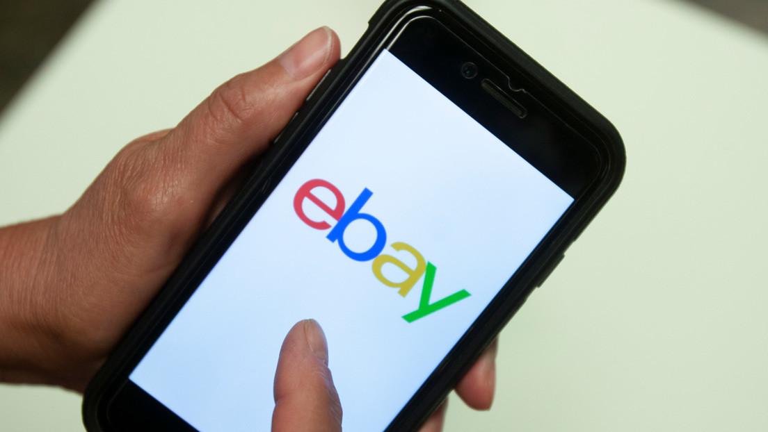 Un hombre compra una PlayStation 5 en eBay, pero recibe una caja con un bloque de hormigón